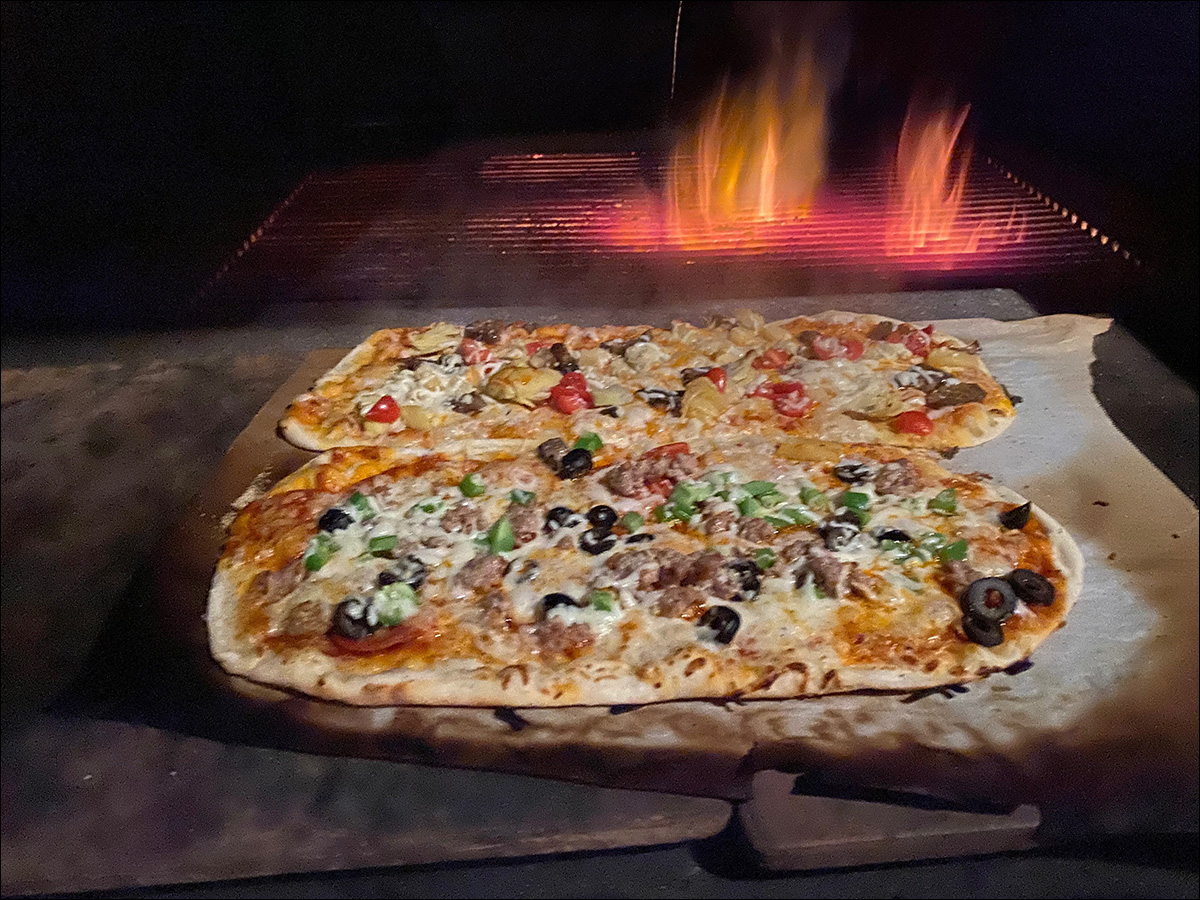 Pizza on the Andrew Parent Peacemaker Grill Flat Top 4x4
